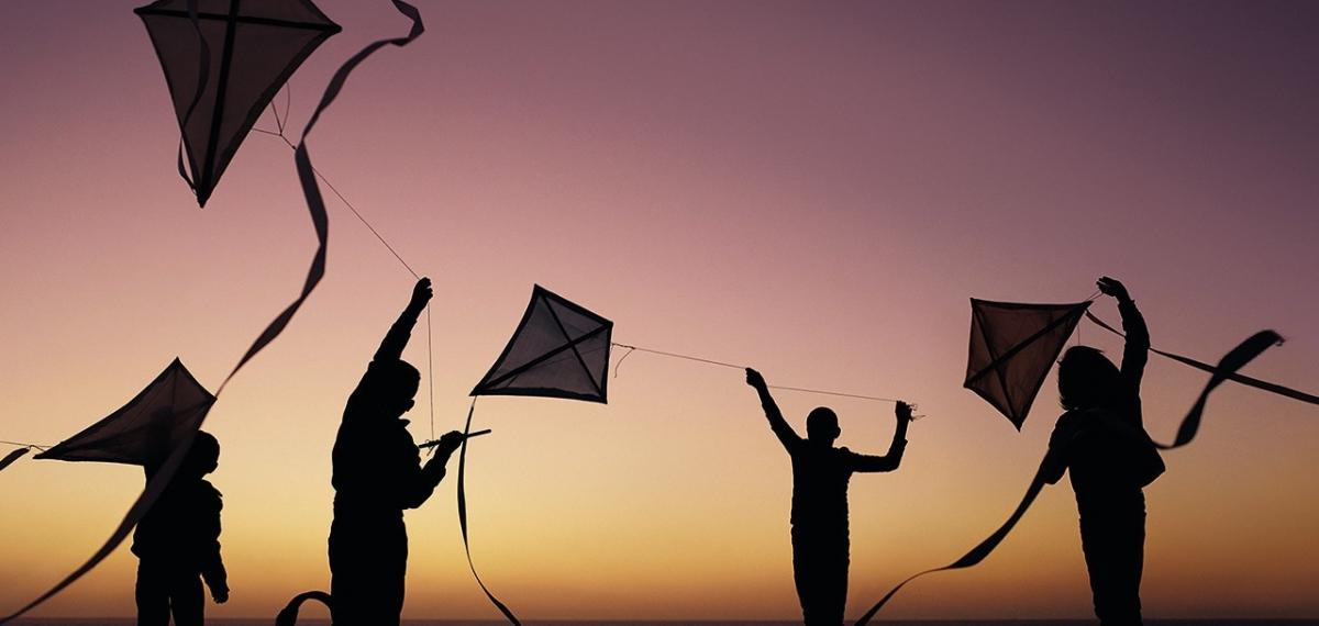 Море, цветы и детство: Вирджил Абло снял в Марокко потрясающую кампанию для Louis Vuitton SS20