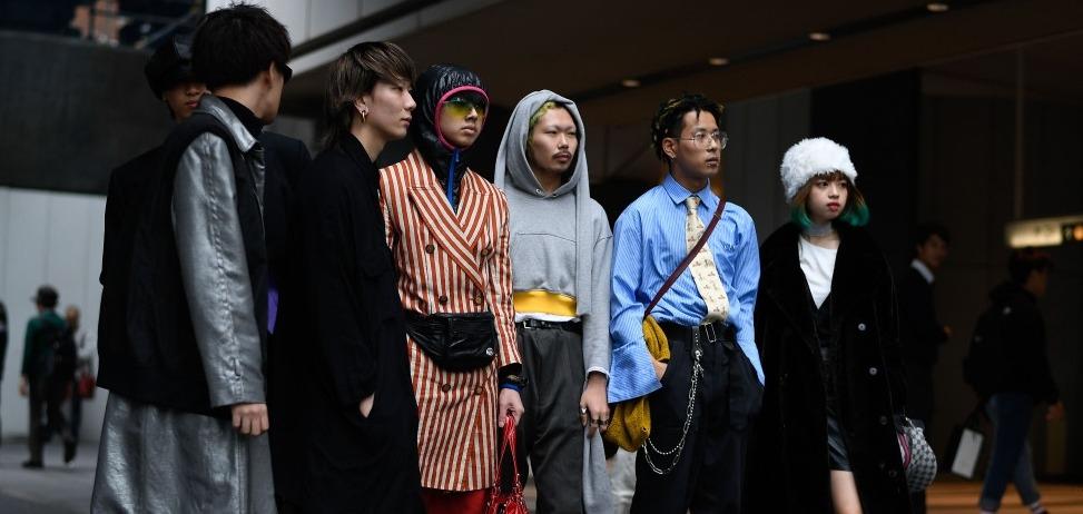 Безумие и уникальность в образах гостей Недели Моды в Токио