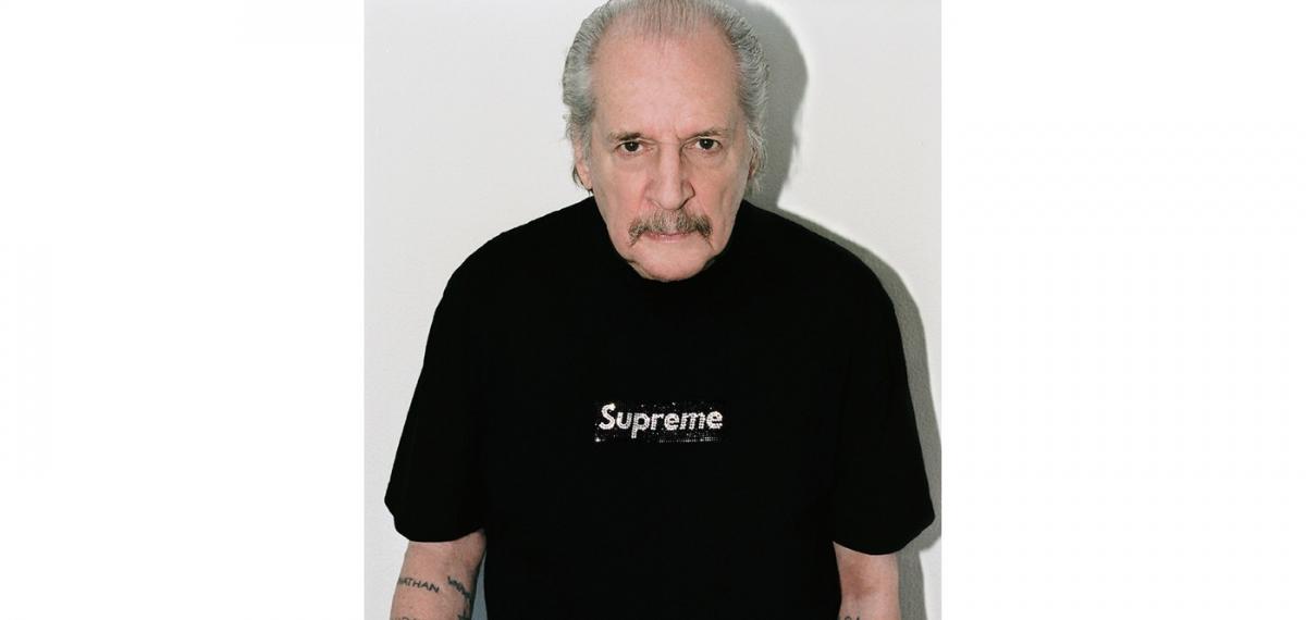 Supreme украсил свой легендарный логотип стразами Swarovski в честь празднования 25-летия