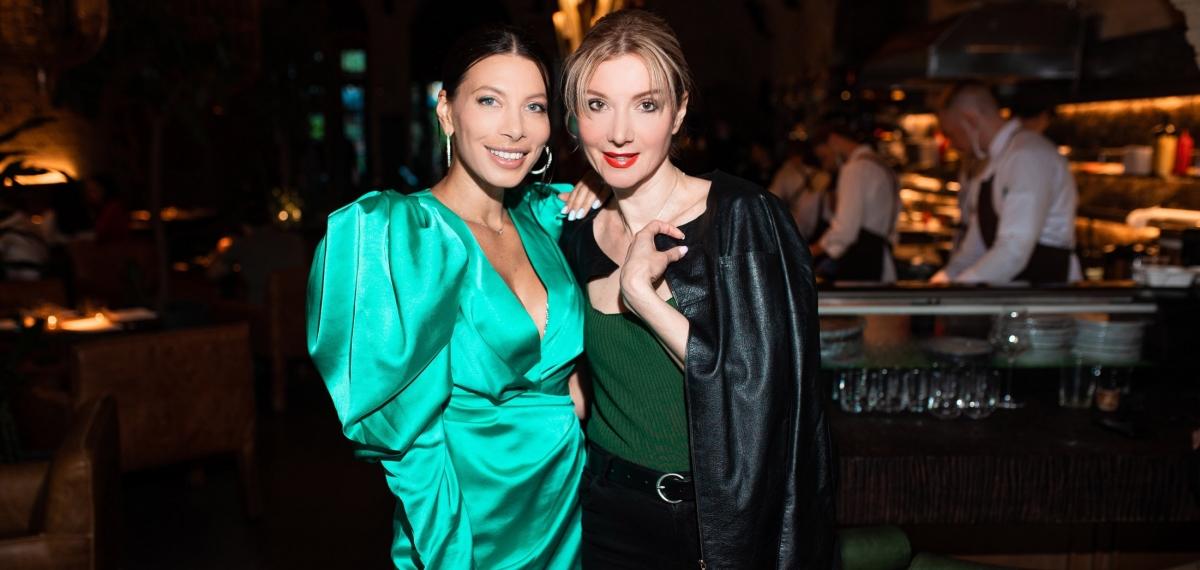Инфлюенсер Юлия Ермолаева отпраздновала свой день рождения в кругу близких подруг