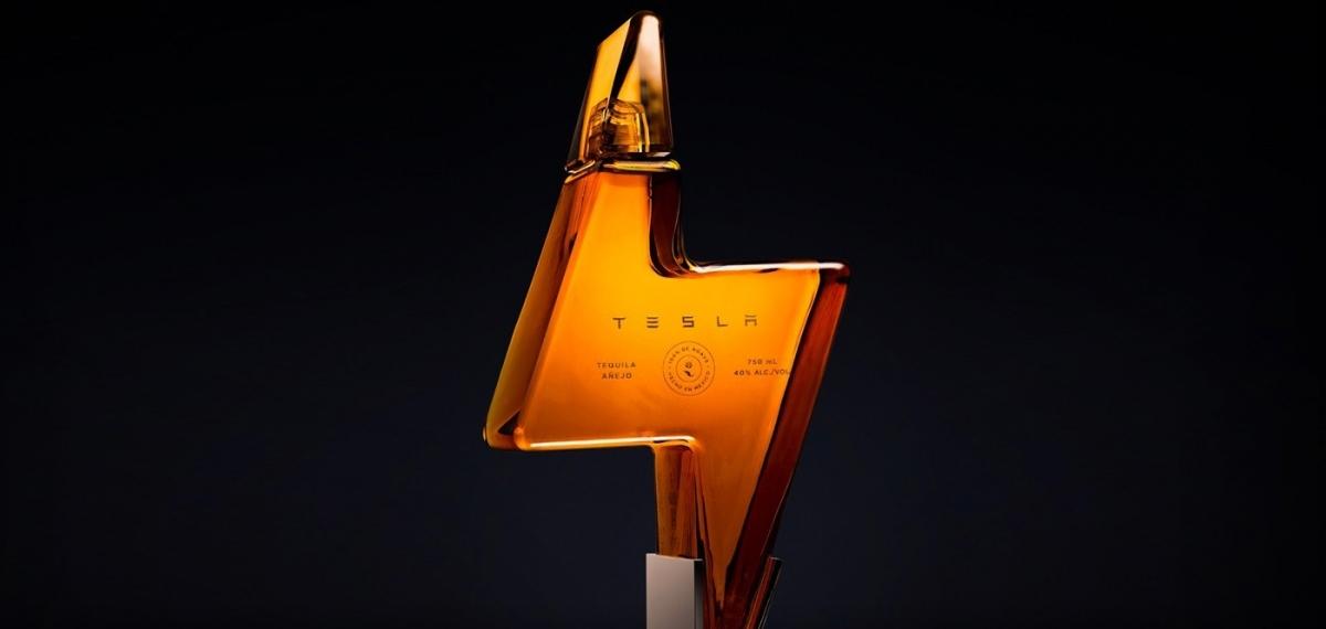 Илон Маск выпустил текилу Tesla: Пустые бутылки от неё продают очень дорого