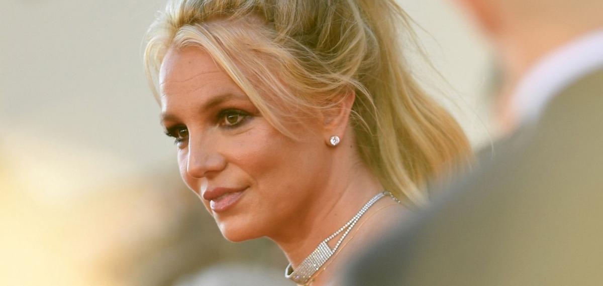 «Я хочу предъявить обвинение моему отцу»: Бритни Спирс представила адвоката