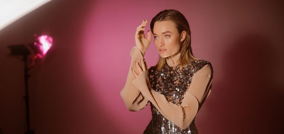 Diana Gloster приоткрыла занавес личного в новом сингле «Танцуй меня»