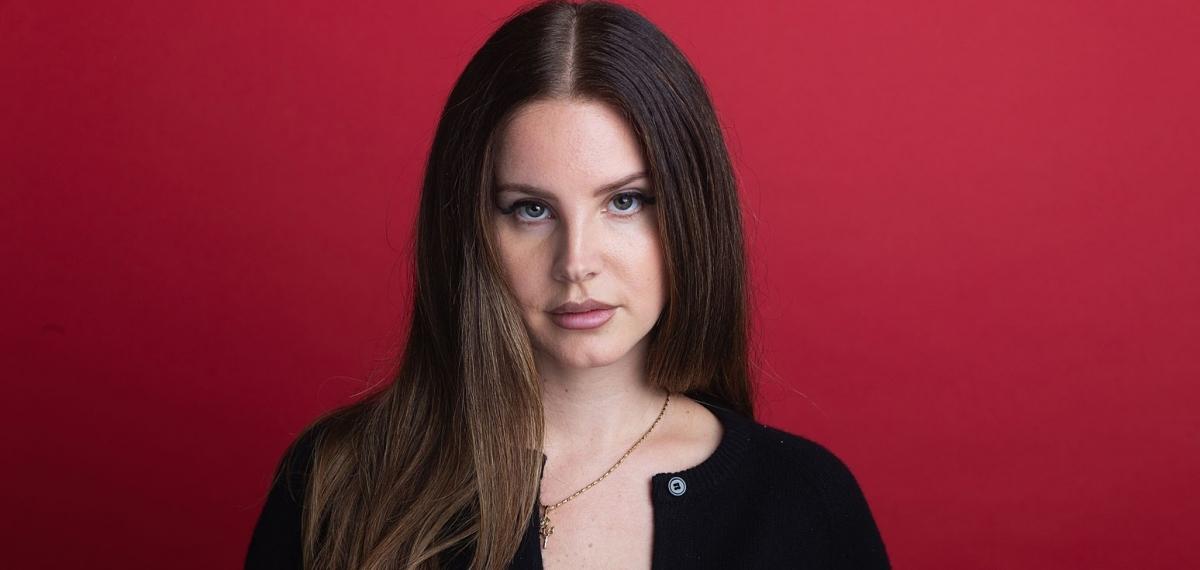 Лана Дель Рей представила сингл Arcadia из загадочного альбома Blue Banisters
