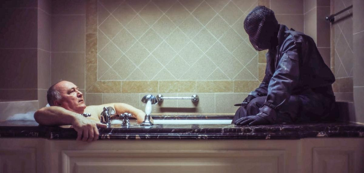 Насильство в масці: Krechet випускає сміливе відео «Засинай»