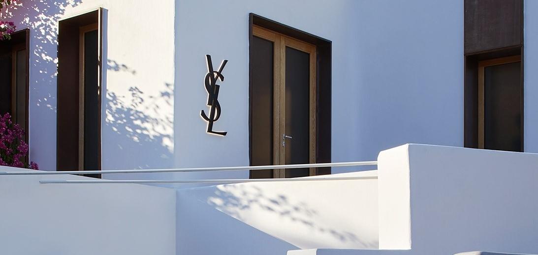 Жемчужина острова: Взгляните на новый магазин Saint Laurent на Миконосе, Греция