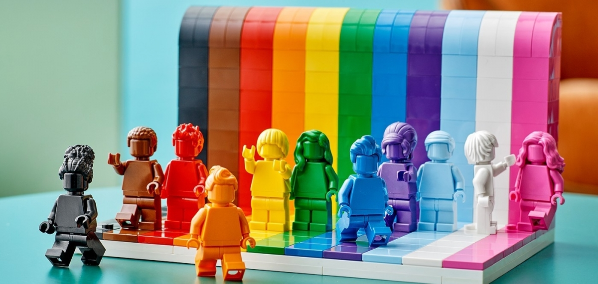 LEGO представили радужный набор, посвященный Pride 2021