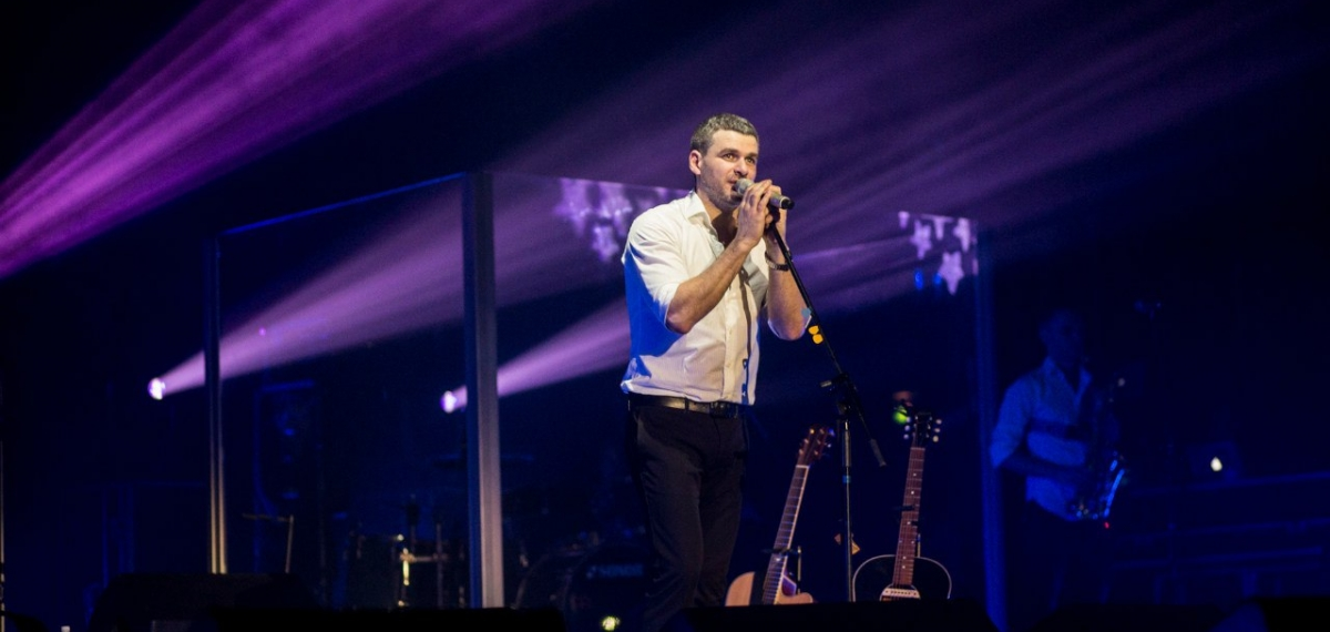 Арсен Мирзоян на своем концерте предложил жениться Тоне Матвиенко